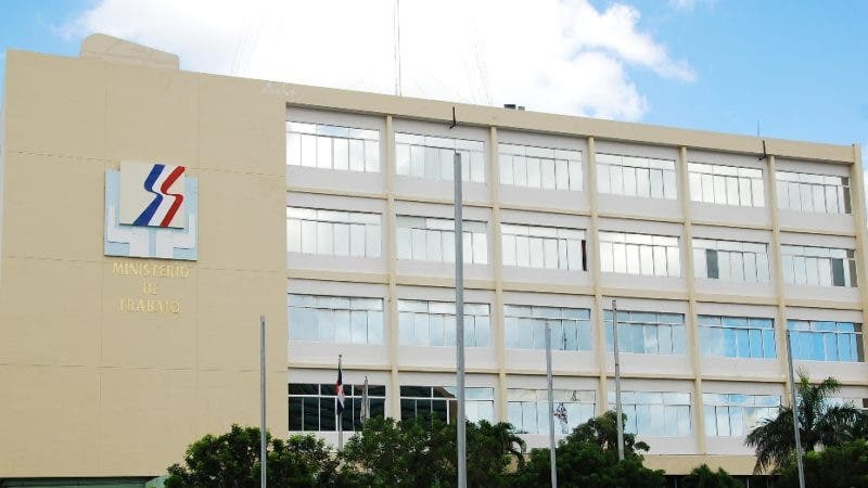 MINISTERIO DE TRABAJO (FACHADA)