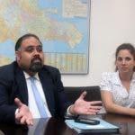 entrevista en la sala de la redacción del periódico hoy, sobre video seguridad y la tecnología al servicio de los trabajadores en foto : Javier Suarez, y Rosa María  Rodríguez   hoy Duany Nuñez 19-7-2019