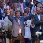 """El precandidato presidencial Leonel Fernández reconoció como una """"demostración de madurez política, su gratitud a los miembros del partido por haberlo honrado para competir en las elecciones internas del PLD, incluido él, para luchar por una nominación a las contiendas electorales de 2020, durante una acto Santo Domingo Rep. Dom. 11 de agosto del 2019. Foto Pedro Sosa"""