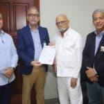 PRSC entrega a JCE su padrón de afiliados en cumplimiento ley de Partidos Políticos. Fuente externa/18/08/19
