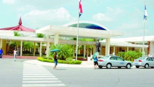 En inicio segundo semestre, UASD insiste más fondos