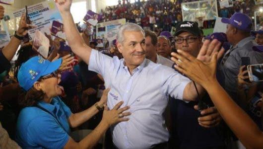 La advertencia de Gonzalo al PRM tras gestionar retiro de sus vallas políticas