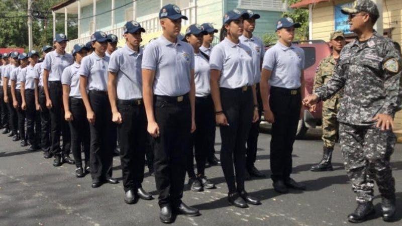 95 Juveniles San José de las Matas Se Gradúan Policía Comunitaria. Fuente externa 04/08/2019