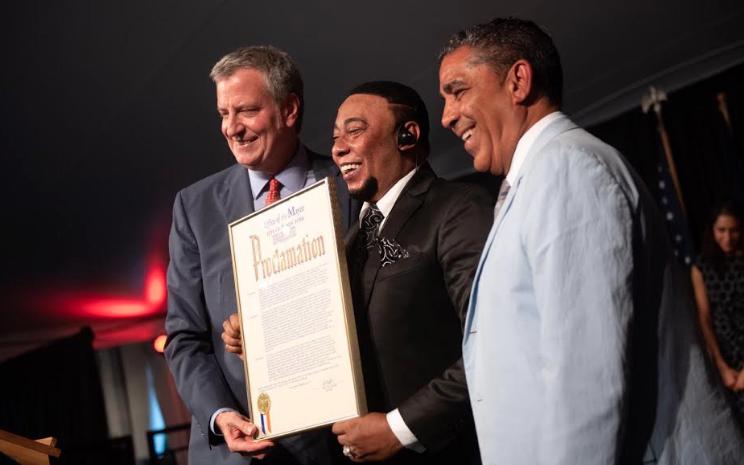 Anthony Santos invita al mundo a conocer República Dominicana