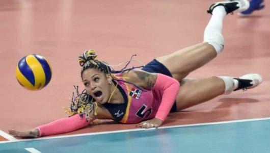 Todo salió bien durante intervención quirúrgica a la voleibolista Brenda Castillo