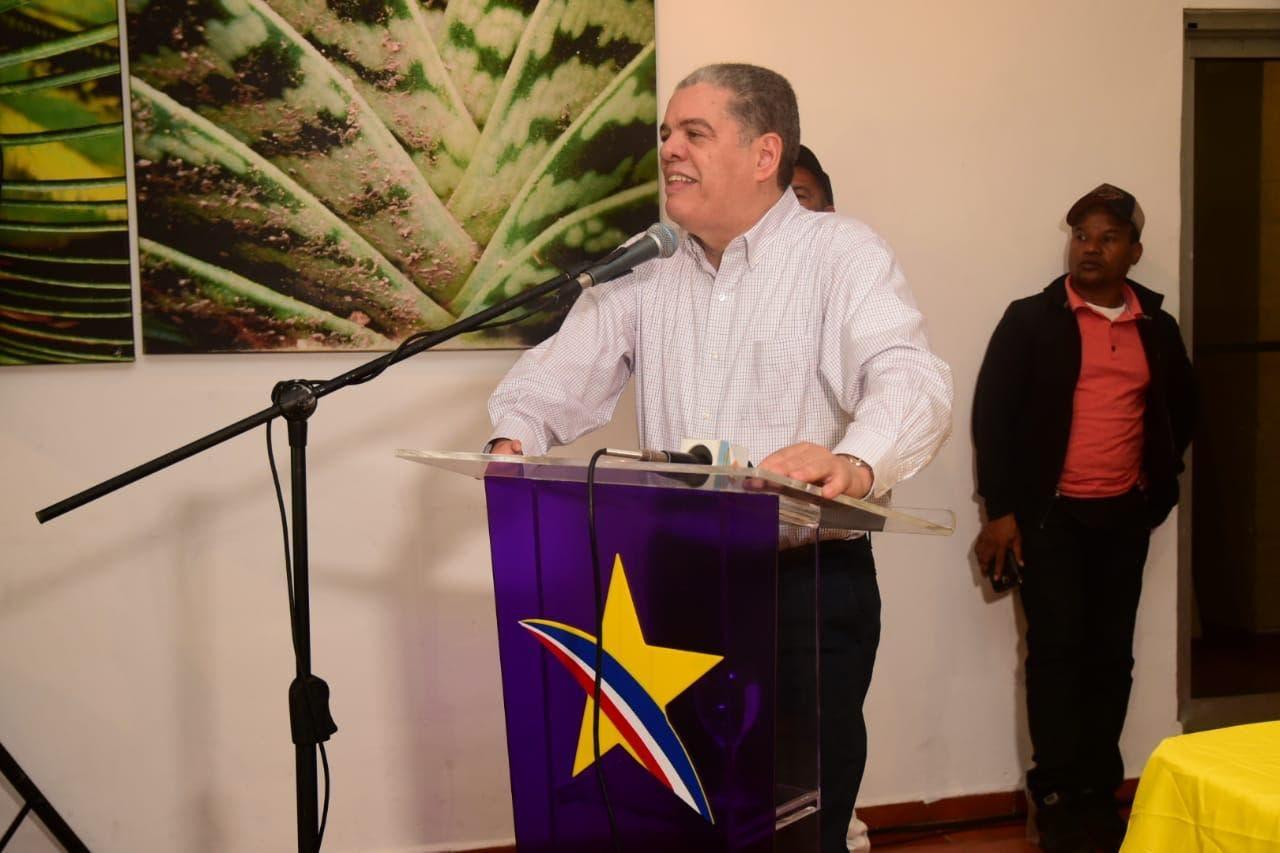 """Carlos Amarante: """"Apoyaré la agropecuaria  y el turismo en el Sur"""""""