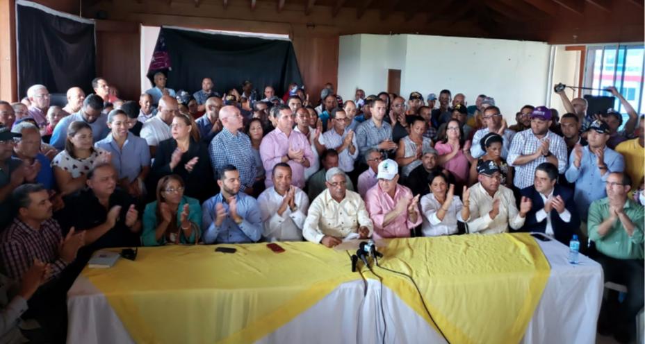 Dirigentes del PLD en Moca anuncian su respaldo a Amarante Baret