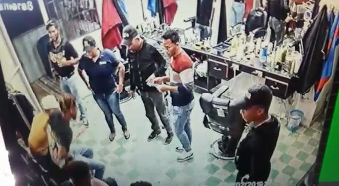 ¿Cómo habrían obtenido la droga que «plantaron» agentes de la DNCD y fiscal en barbería de Villa Vásquez?