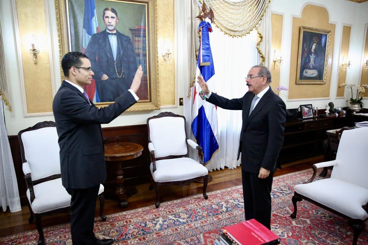 Video: Danilo Medina juramenta a Juan Ariel Jiménez Núñez como ministro de Economía