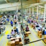Muchas empresas se acogen a la suspensión de sus trabajadores.