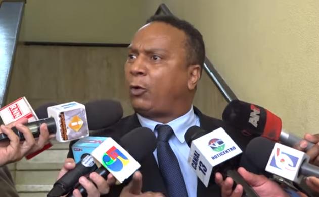 """Abogado de ex pelotero afirma """"César el Abusador"""" fue avisado por Procuraduría y DNCD previo al allanamiento"""