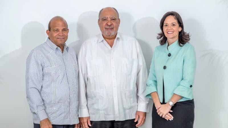 ISFODOSU posesiona a nuevos vicerrectores ejecutivos de los recintos de Santo Domingo y Santiago