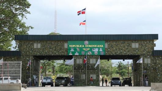 Aduanas pondera orden y seguridad frente a delitos cometidos en frontera con Elías Piña