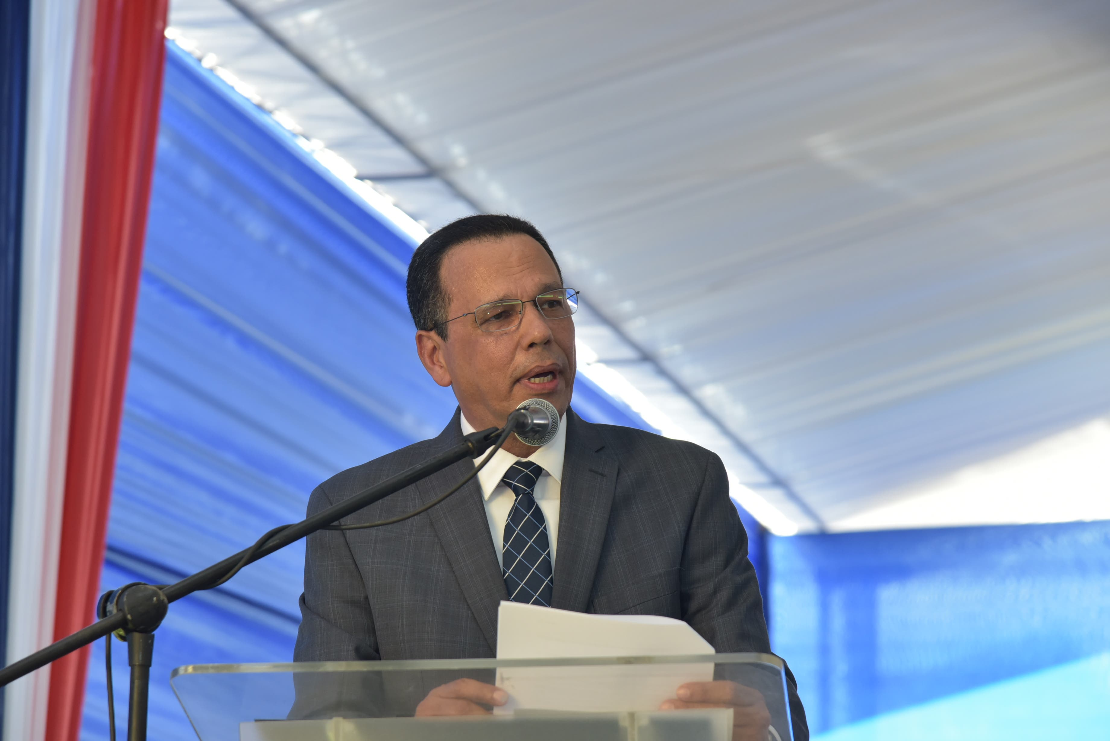 Ministro de Educación resalta impacto de la Jornada Escolar Extendida y el Currículo por Competencia