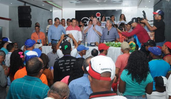 Hipólito Mejía promete aplicar su experiencia para dirigir su gestión al campo