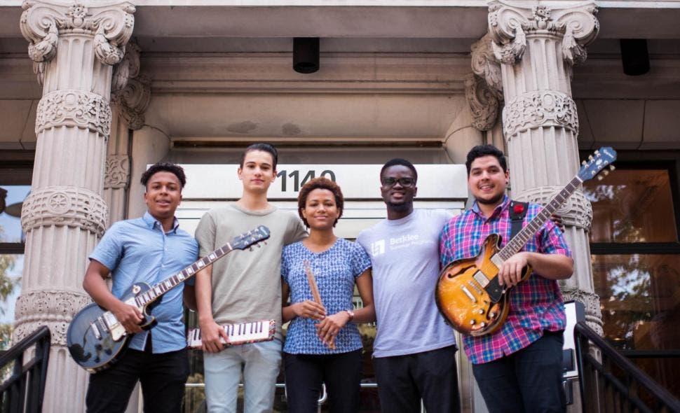 Berklee College of Music destaca el apoyo de Fundación AES Dominicana a estudiantes de música