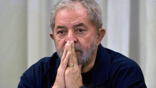 Lula afirma que quiere salir de la cárcel solo con el 100 % de inocencia