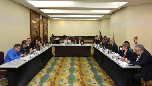 Ramón Ventura Camejo destaca avances de la provincia Santiago