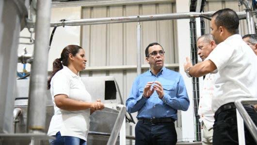 Andrés Navarro dice impulsará el desarrollo económico, innovador e inclusivo