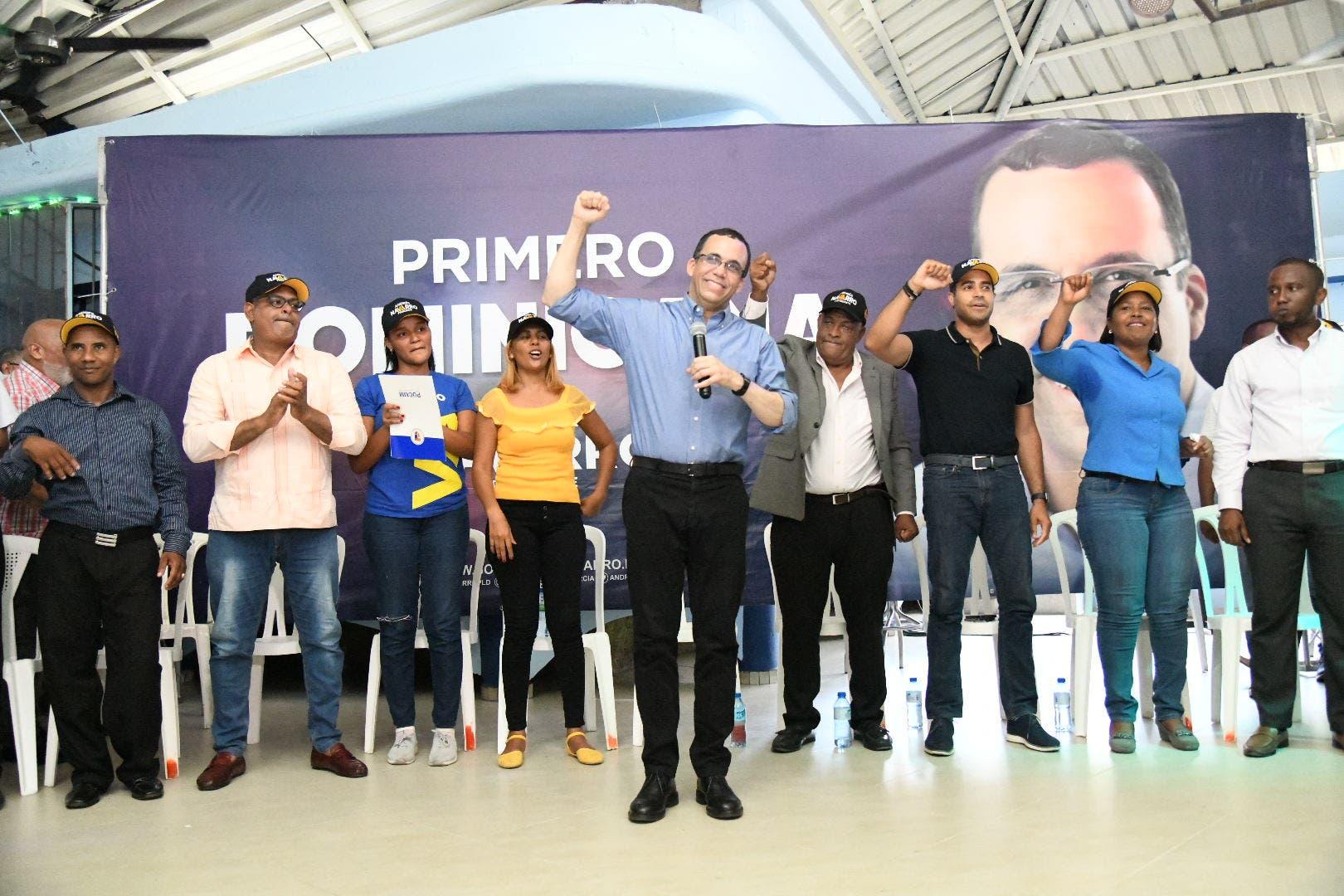 Andrés Navarro dice que ofrecerá mayor apoyo a la mujer para garantizar su desarrollo