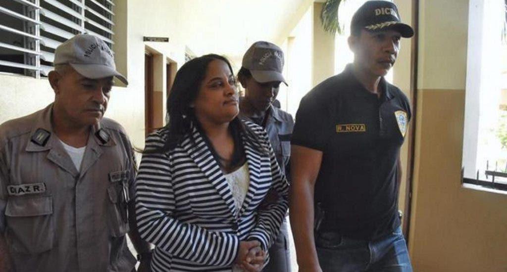Caso Villa Vásquez: Jueza se inhibe de conocer medidas a exfiscal y agente de la DNCD