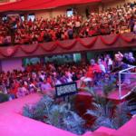 (foto) Quique Antún habla en el encuentro con los precandidatos del PRSC, en un acto celebrado este domingo en el Coliseo Carlos -Teo- Cruz,