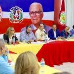 (foto) Quique Antún y otros altos dirigentes del PRSC