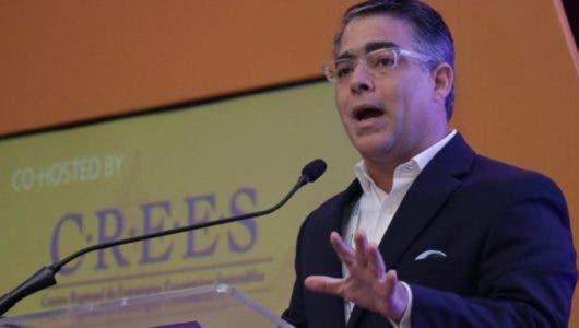 Ernesto Selman explica las razones de su renuncia del PLD; Miriam Cabral minimiza su salida