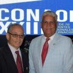 Luis Manuel Despradel, Presidente del Colegio Dominicano de Odontólogos, y el Dr. Héctor Darío Taveras, decano de la carrera a quien le será dedicado el CONAOD 2019