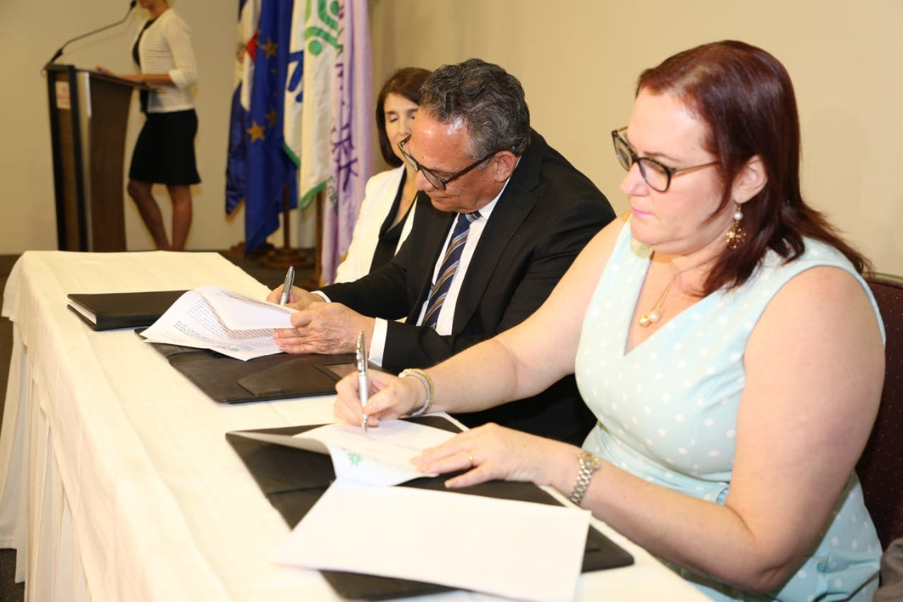 MAP y el Ministerio de la Mujer firman resolución para creación de Unidades de Igualdad de Género
