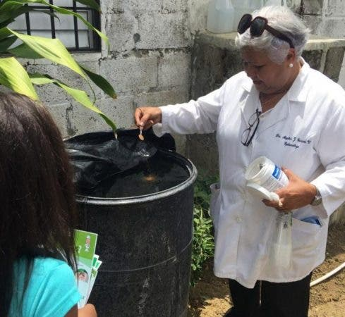 8. El Servicio Nacional de Salud (SNS) en las últimas semanas ha designado personal especializado en dengue y dispuso incrementar la periodicidad de los operativos de limpieza y descacharrización en los centros de salud además de otras medidas para fortalecer la prevención y respuesta contra dengue. Fuente externa 15/08/2019