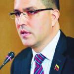 AME5462. CARACAS (VENEZUELA), 09/09/2019.- El ministro de Relaciones Exteriores, Jorge Arreaza, se reúne este lunes con el cuerpo diplomático acreditado en Venezuela, en Caracas (Venezuela). Al encuentro también asistió el ministro venezolano de Información, Jorge Rodríguez. EFE/ Rayner Peña