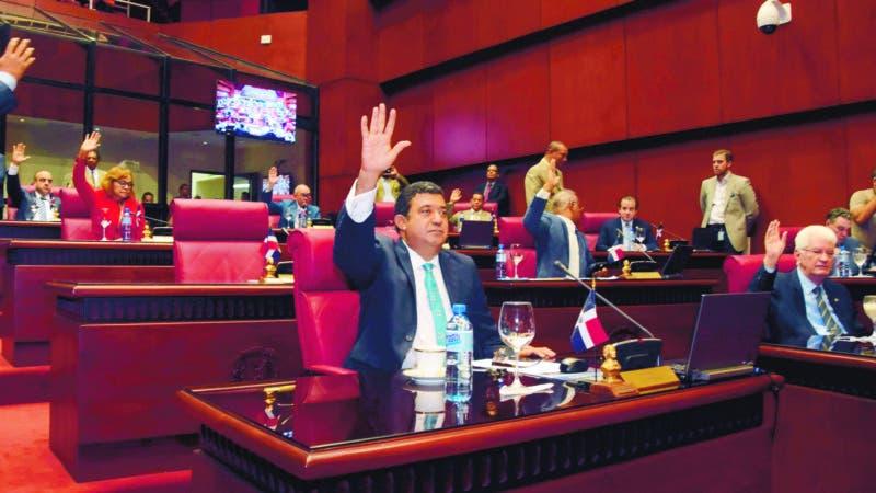 País / Sesión del Senado de la República. 01-02-17. Fotos: Adolfo Woodley Valdez.