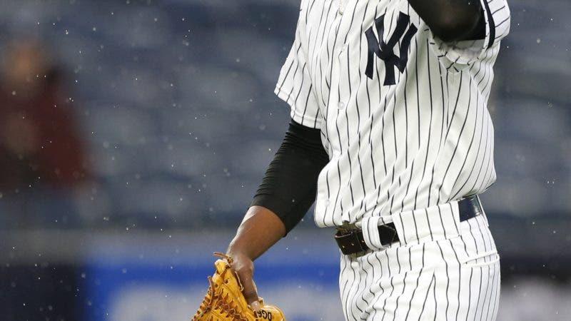 Pitcher dominicano de los Yankees es sancionado por violencia doméstica