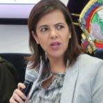 """AME8152. QUITO (ECUADOR), 16/09/2019.- La ministra ecuatoriana del Interior, María Paula Romo (c), habla este lunes en una rueda de prensa en Quito. Romo calificó este lunes de """"muy grave"""" la posible """"vulneración"""" de datos de millones de ecuatorianos a través de un servidor en Miami, y confirmó que se está realizando una investigación para conocer si ha habido daño. EFE/ Daniela Brik"""