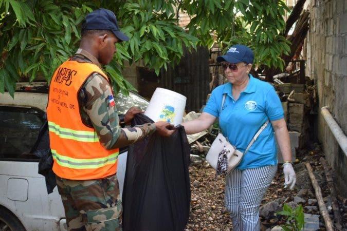 4. Personal SNS estuvo este fin de semana en las calles para prevenir dengue. Fuente externa 01/09/2019
