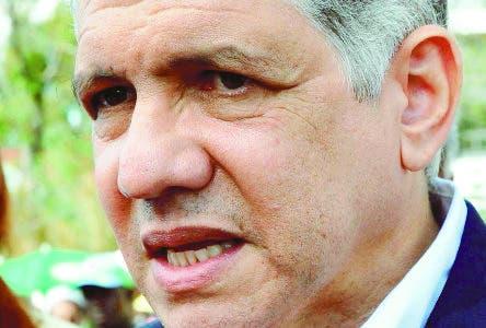 Entrevistado en Santiago Eduardo Estrella Presidente Dominicanos por Cambio. 21/01/11 Hoy Wilson Aracena.