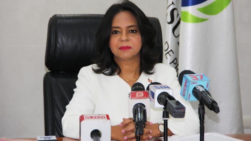 Anina Del Castillo explicó las razones de la suspensión de las ventas en líneas.