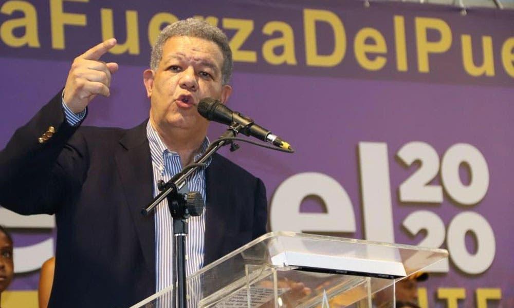 Leonel Fernández dirige encuentros y asambleas electorales en la provincia La Altagracia