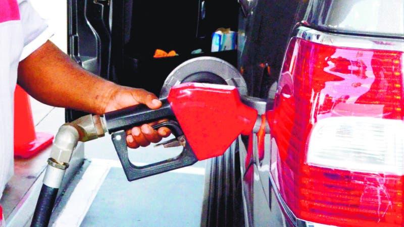 Industria y Comercio dispone alzas en combustibles entre RD$3.20 y RD5.70