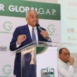 El ministro de Agricultura, Osmar Benítez, habla en el curso Global Gad, organizado por la JAD.