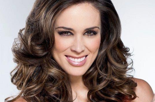 La mexicana Jacqueline Bracamontes dice que volverá a actuar en TV en 2020