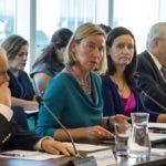 AME758. NUEVA YORK (ESTADOS UNIDOS), 23/09/2019.- La alta representante de la Unión Europea (UE) para la Política Exterior, Federica Mogherini (2i), preside una reunión ministerial del Grupo Internacional de Contacto para Venezuela este lunes, en Nueva York (EE.UU.). EFE/ Miguel Rajmil