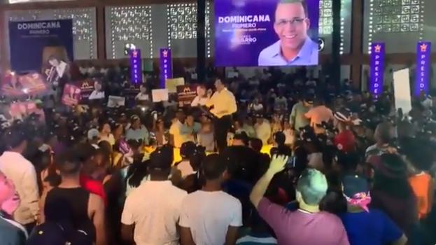 Andrés Navarro dice lleva la delantera y propone a Gonzalo Castillo y a Domínguez Brito la candidatura vicepresidencial