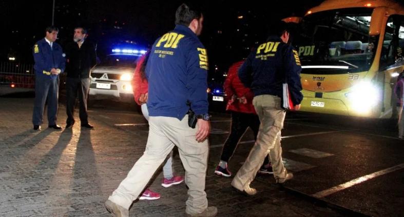 Mira porqué el Gobierno de Chile fletó un avión y expulsó a 67 inmigrantes dominicanos