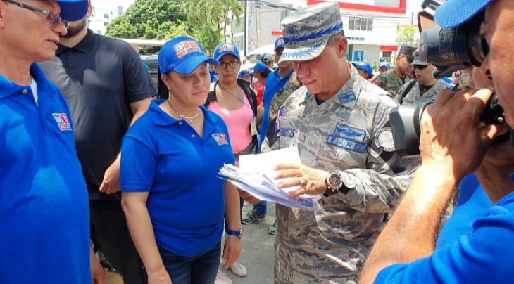 FARD supervisa trabajos jornada contra el dengue en zona del Cibao