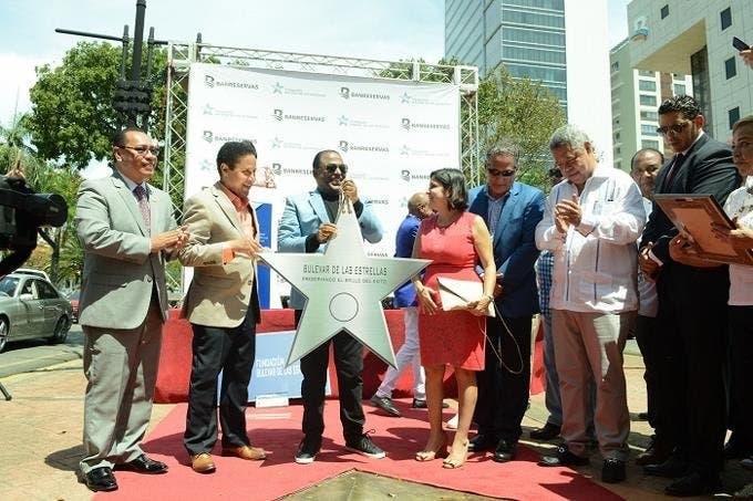 Wilfrido Vargas recibe su estrella en el Bulevar