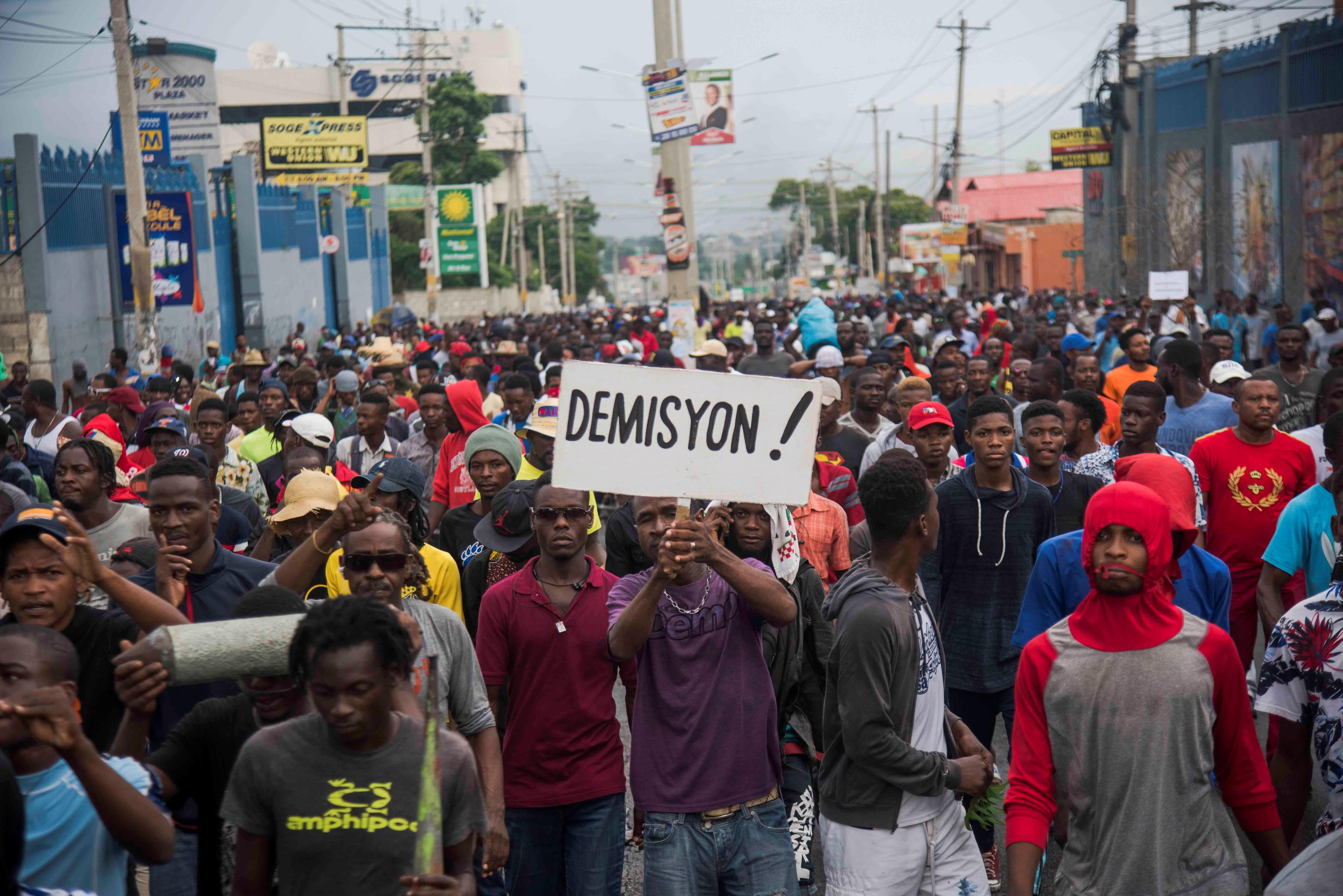 Nueva jornada de protestas por la escasez de combustible en Haití