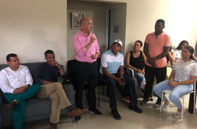 Domínguez Brito respalda precandidatura a senador de Iván Lorenzo en Elías Piña