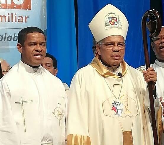 El arzobispo Francisco Ozoria solicita a la sociedad y el gobierno la ejecución de planes para rescatar las familias